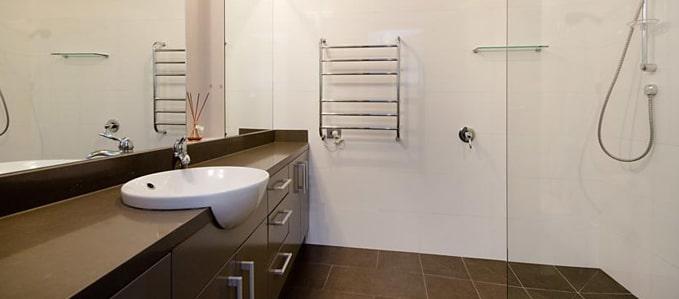 Delux-King-Bathroom